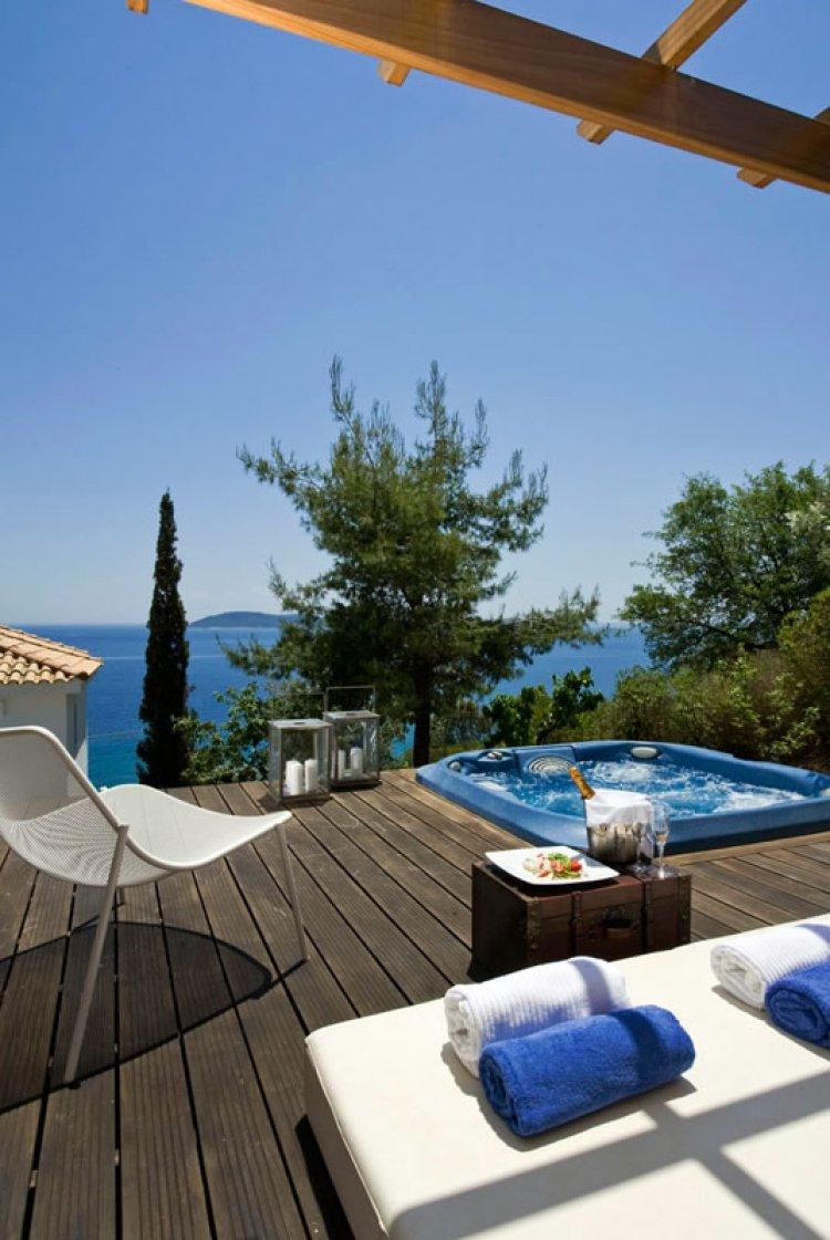 Hotel aegean suites skiathos insula skiathos grecia for Skiathos hotel