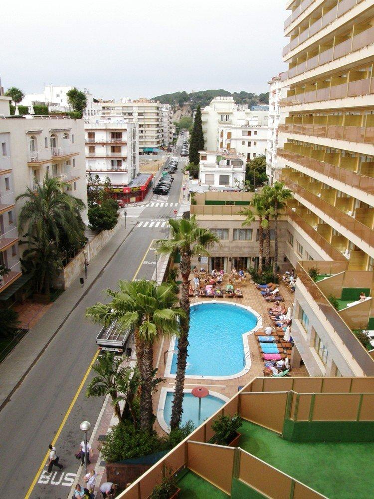 hotel top amaika calella: