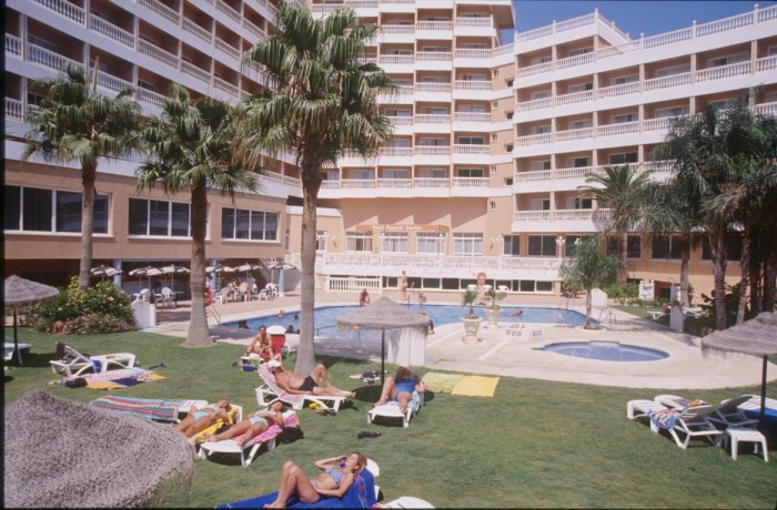 Hotel Parasol Garden is located next to the Torremolinos beach