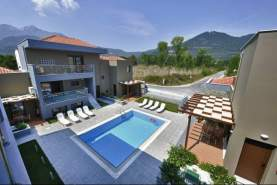 - Mary' s Residence Suites & Luxury Studios, Golden Beach, Insula Thassos, Grecia
