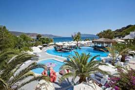 - Salmakis Resort & Spa, Bodrum, Turcia