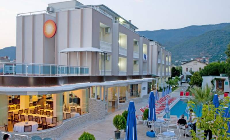 - Dogan Beach Resort & Spa, Ozdere, Turcia